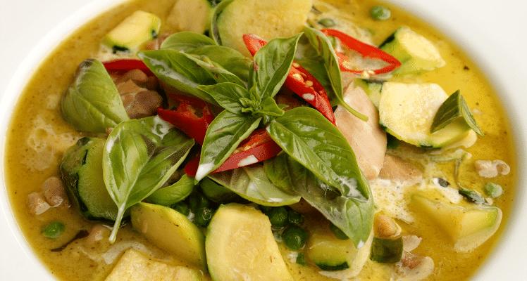 Recette de poulet au curry vert thaï (Gaeng Kiew Wan Gai)